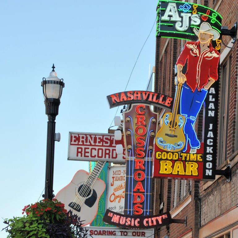 Weekend in Nashville:  Music, History, Food and Honky-tonk.